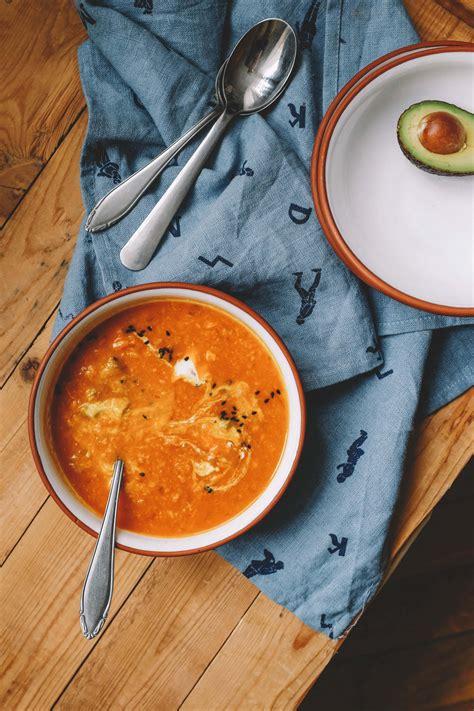 Sildoša saldā kartupeļa - tomātu zupiņa