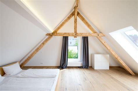 schlafzimmer mit dachschraege gestalten  tipps