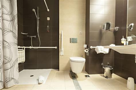 cabine doccia per disabili i piatti doccia a filo pavimento per disabili tirichiamo it