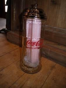 Distributeur De Paille : distributeur de pailles coca cola antan et n o brive la gaillarde ~ Teatrodelosmanantiales.com Idées de Décoration