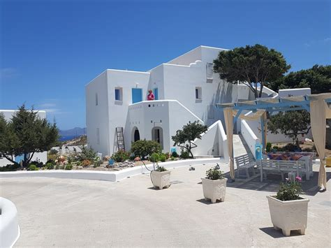 Where To Stay In Milos Greece Accommodation Guide