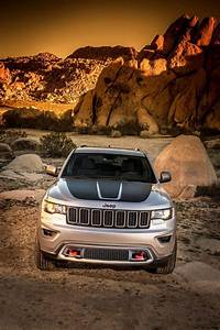 Jeep Grand Cherokee 2017 : nyias 2017 jeep grand cherokee trailhawk and summit visual comparo vs 2015 car revs ~ Medecine-chirurgie-esthetiques.com Avis de Voitures