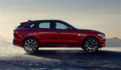 There isn't too much physique roll. Jaguar F-Pace (2019) - LLMotors