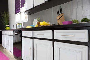 idee peinture cuisine meuble blanc repeindre meubles de cuisine couleur noir et blanc