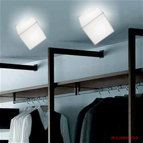 artemide edge 21 wall ceiling light with white cubic diffuser ay200