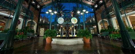 Hotels With Balconies New Orleans by Disney S Port Orleans Resort French Quarter Walt