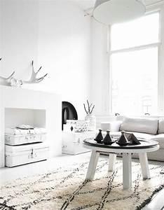 Deco Bois Et Blanc : le noir blanc s invite au salon elle d coration ~ Melissatoandfro.com Idées de Décoration