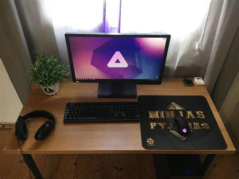 Setup Ideas by Clean In 2019 Pc Setup Computer Desk Setup Bedroom