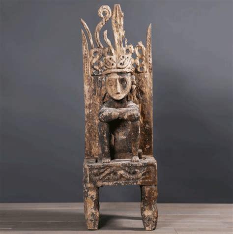 high statue  primitive art   timor islands