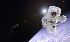 Astronaut Floating In Space Wallpaper (page 3) - Pics ...