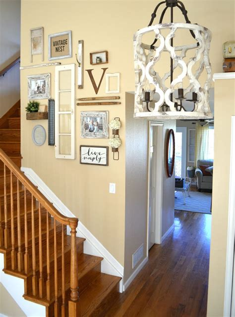 One of the most conventional ideas for wall decoration is to use pictures and photos. Staircase Gallery Wall & A Collection of Vintage Treasures in 2020 | Home wall decor, Key wall ...