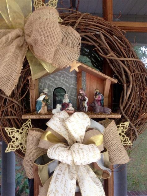 nativity wreath manger scene christmas wreath