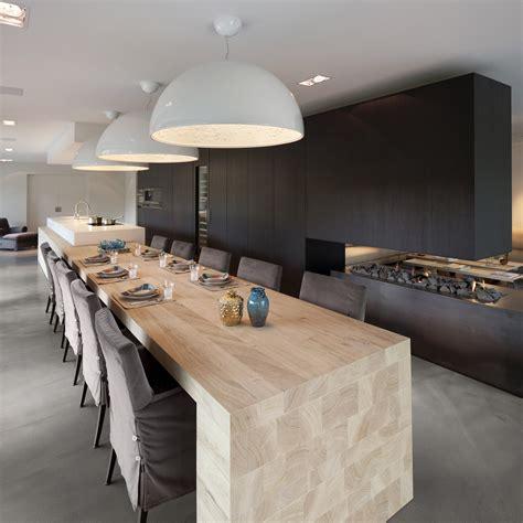 table de cuisine contemporaine cuisine design blanche et bois avec îlot voici une cuisine