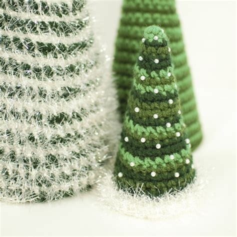 lily gets crafty crochet christmas trees free patterns