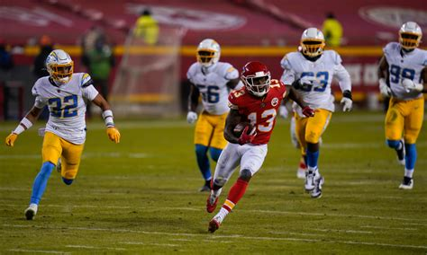 5 takeaways from Chiefs' Week 17 loss vs. Chargers