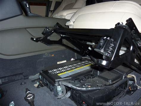 P1000104klein  Wo Ist Die Batterie Im Q 7?  Audi Q7 4l