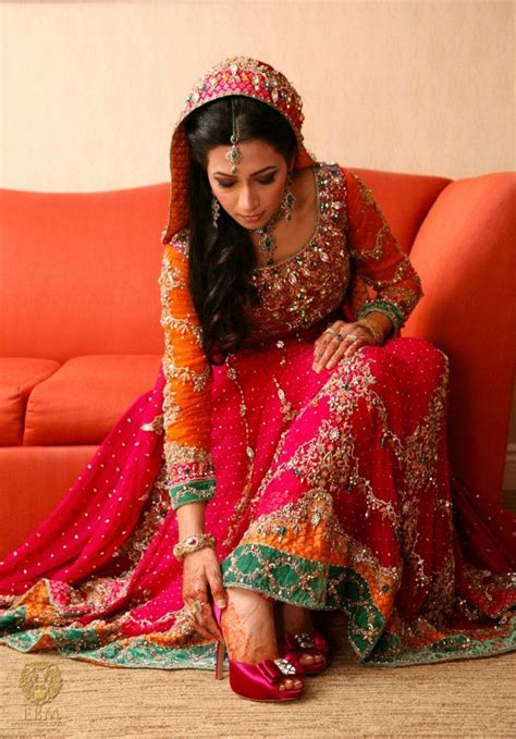 stylish pakistani bridal dresses wedding outfits