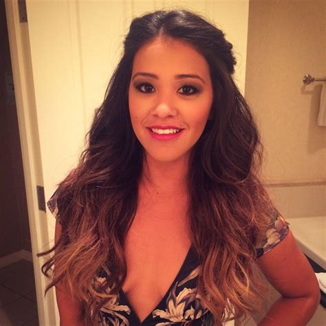 actress in jane the virgin 30 pictures of jane the virgin actress gina rodriguez