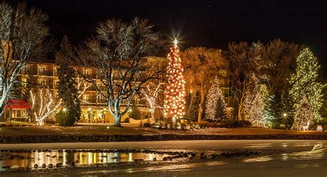 Broadmoor Christmas Lights Photograph By Jeff Smith