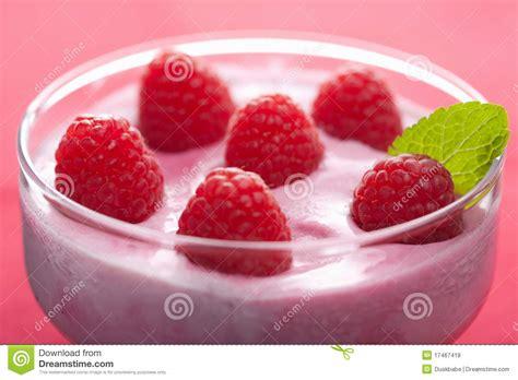 desserts with fresh raspberries dessert with fresh raspberries royalty free stock photos image 17467418