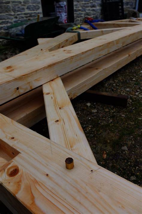 Cheville Bois Charpente Construction D Un Pr 233 Au En Charpente Bois Xyleo Construction Bois