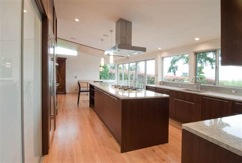 Kitchen Island With Vent by Kitchen Beautiful Design You Need For Your Layout With