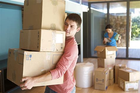 How to Start Packing Your Stuff for Your Household Move