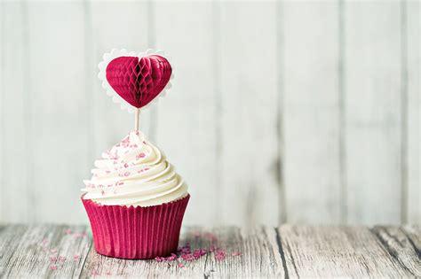 Top garšīga dāvana Latvijas 100. dzimšanas dienā. Vāc kūku ...