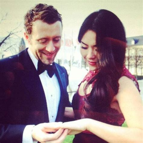 tj thyne engaged  leah parksee pictures   bones