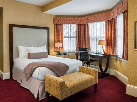 meet wayne hotels guest rooms main hotels