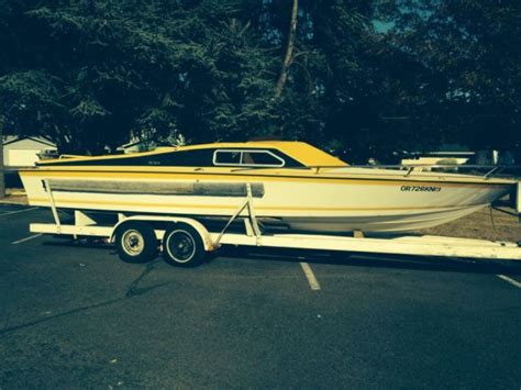 spectre ft daycruiser boat  rare scj ford