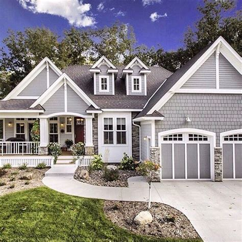 Farmhouse Style House Pictures by Best 25 Craftsman Exterior Colors Ideas On