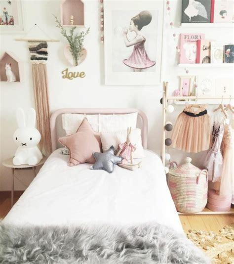 accessoire chambre fille simple decoration chambre fille lit en mtal