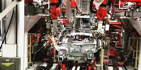 16+ Tesla 3 Production Line Video Gif