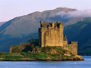 Wallpaper – Eilean Donan Castle, Scotland