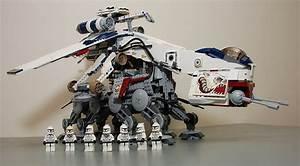 Lego (Star Wars) - 10195 Republic Dropship with AT-OT ...