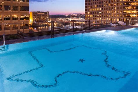 Downtown Austin Tx Hotel With Outdoor Rooftop Pool