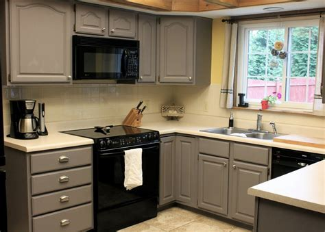 How to Redoing Kitchen Cabinets   TheyDesign.net