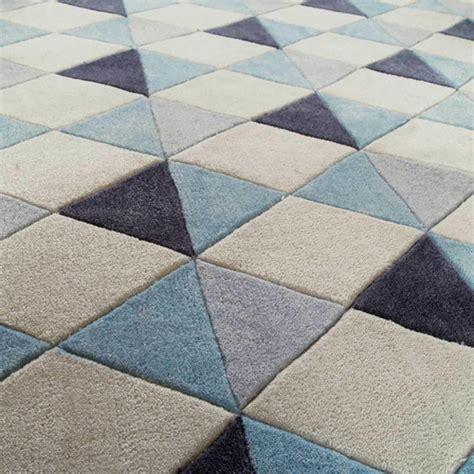 tapis 224 poils courts bleu 140 x 200 cm nordic maisons du monde