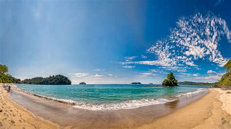 espadilla norte beach manuel antonio costa rica  ocean