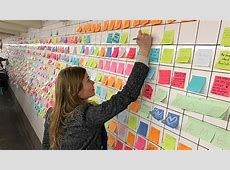 New Yorkers post sticky notes of hope in subway to combat