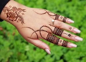 Henna Farbe Selber Machen : henna muster einfach anleitung henna tattoo selber machen inkl muster motive henna muster hand ~ Frokenaadalensverden.com Haus und Dekorationen
