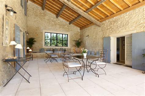 chambres d hotes de charme arles chambres d 39 hôtes et table d 39 hôtes entre arles et avignon