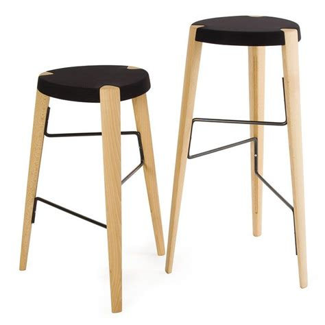 pied de tabouret de bar tabouret de bar design en bois tabouret sputnik par zilio