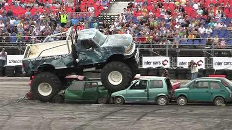 youtube monster truck maluch vs monster truck youtube