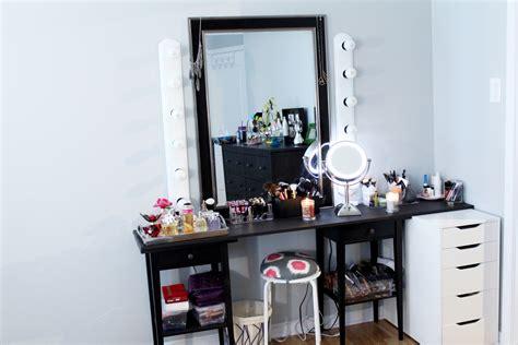 bureau maquillage des trucs de rangement pour organiser maquillage le