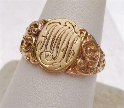 engraving  signet ring