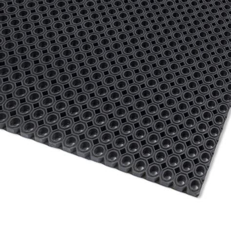 tapis caillebotis caoutchouc naturel toflex noir petits trous acces faciles 100 x 150 cm l