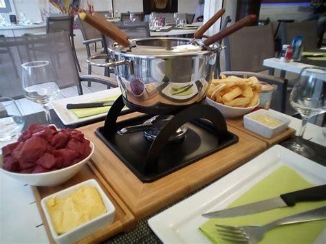 cuisine camarguaise restaurant longo mai dans arles avec cuisine