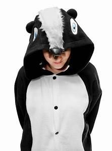 Warmes Halloween Kostüm : cozysuit stinktier kigurumi kost m stinktierkost m ~ Lizthompson.info Haus und Dekorationen